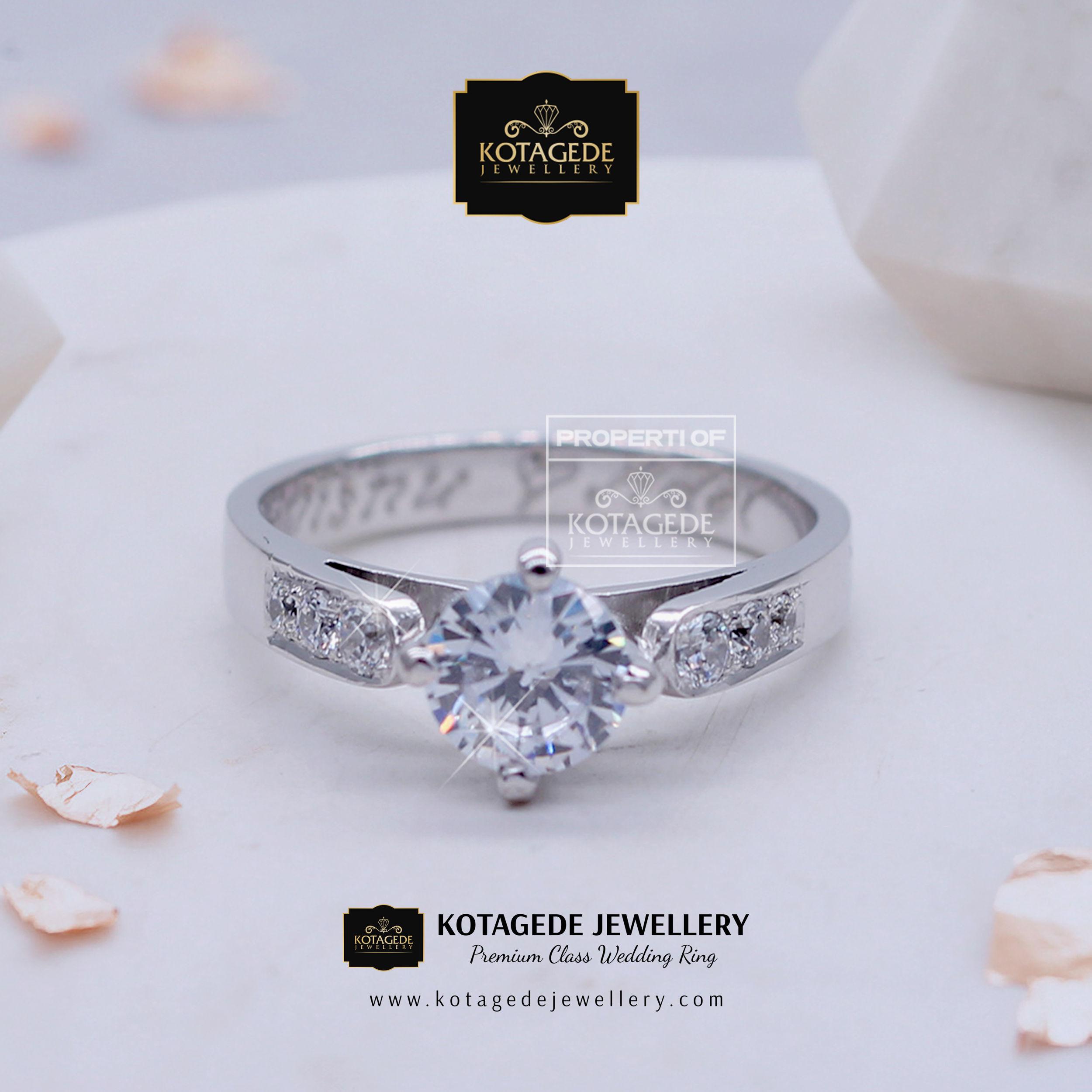 Cincin Kawin Tunangan Platinum Solitare Big Diamond PT0010