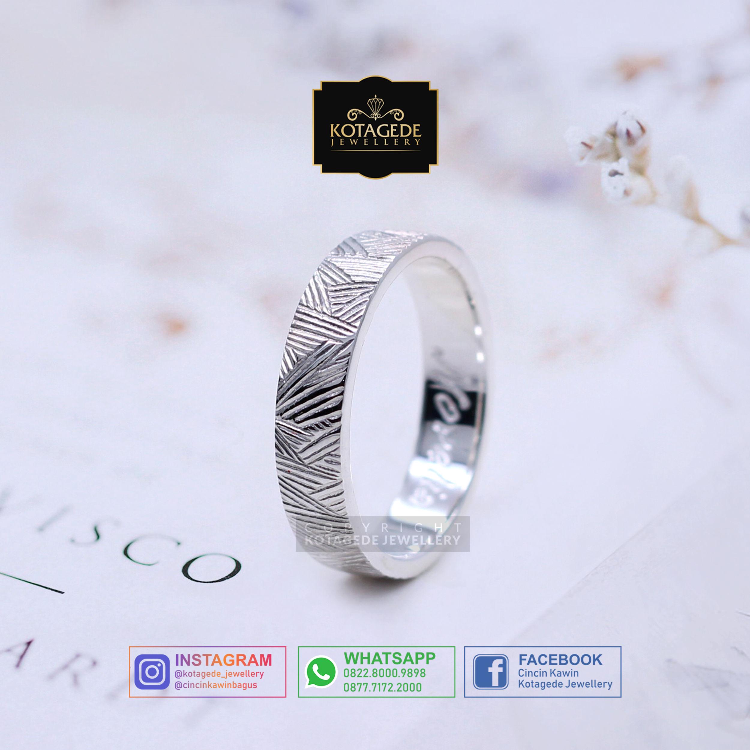 Cincin Kawin Tunangan Platinum Ukiran Kayu PT0019