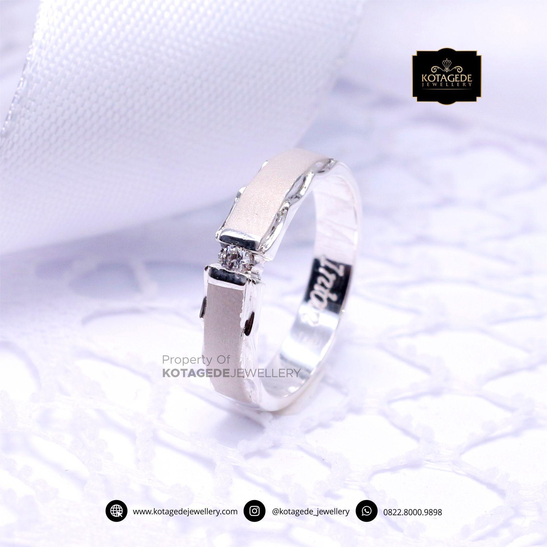 Cincin Kawin Tunangan Doff Elegant Platinum PT0049