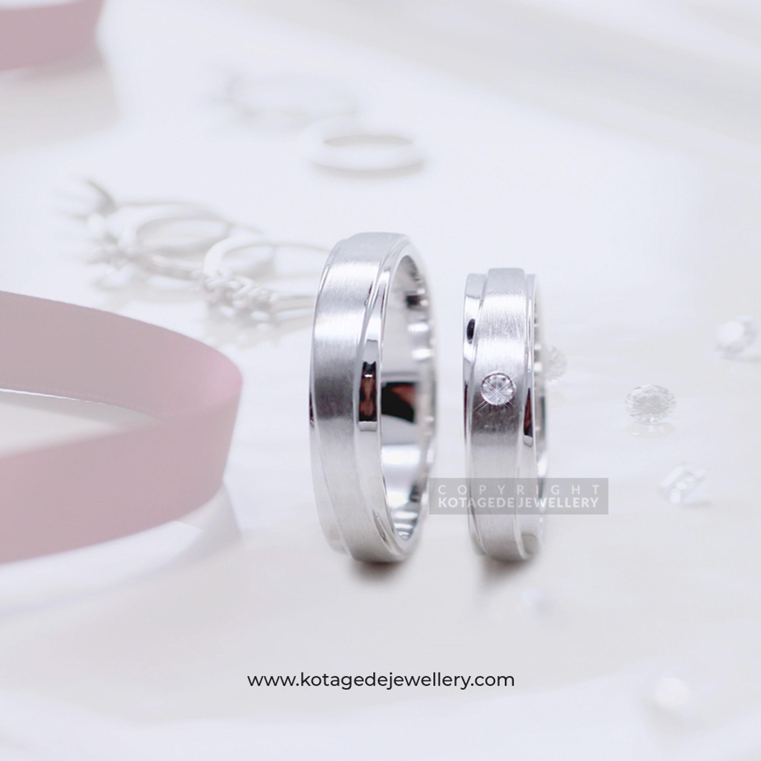 Cincin Kawin Tunangan Doff Platinum Emas Putih PT0133WG