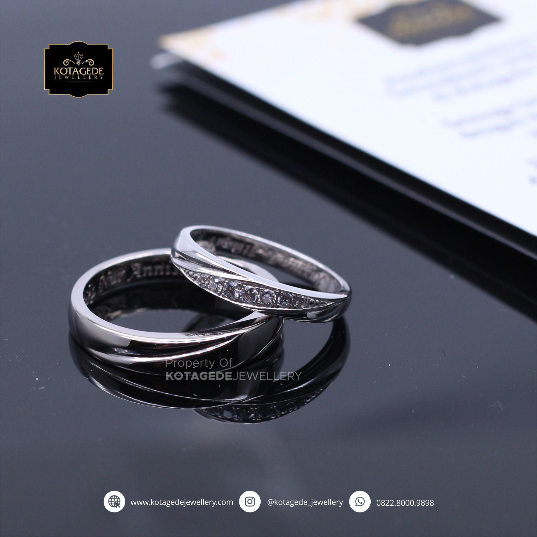 Cincin Kawin Tunangan Platinum Couple Elegant P0070TPT