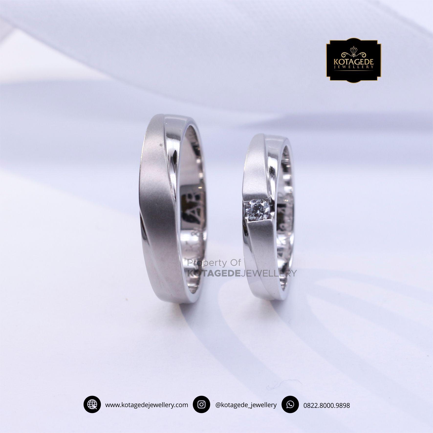Cincin Kawin Tunangan Platinum Couple PT0092PT