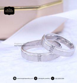 Cincin Kawin Tunangan Platinum Emas Putih Doff Couple PT0093WG