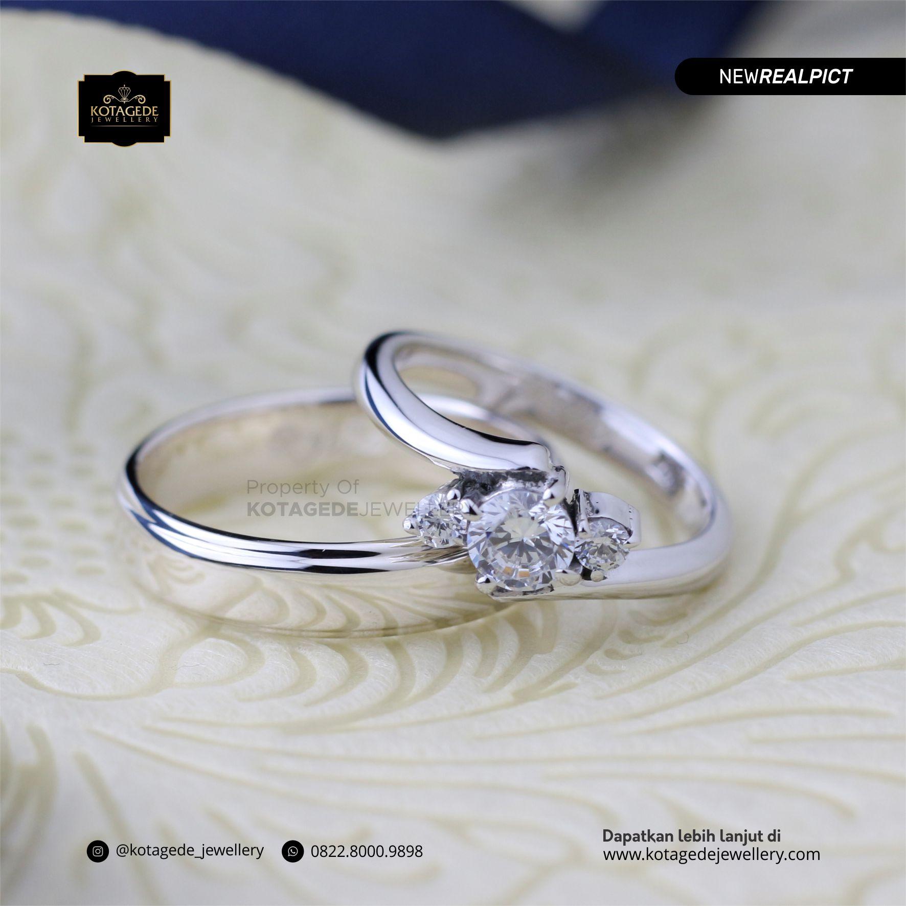 Cincin Kawin Tunangan Platinum Emas Putih PT0192WG