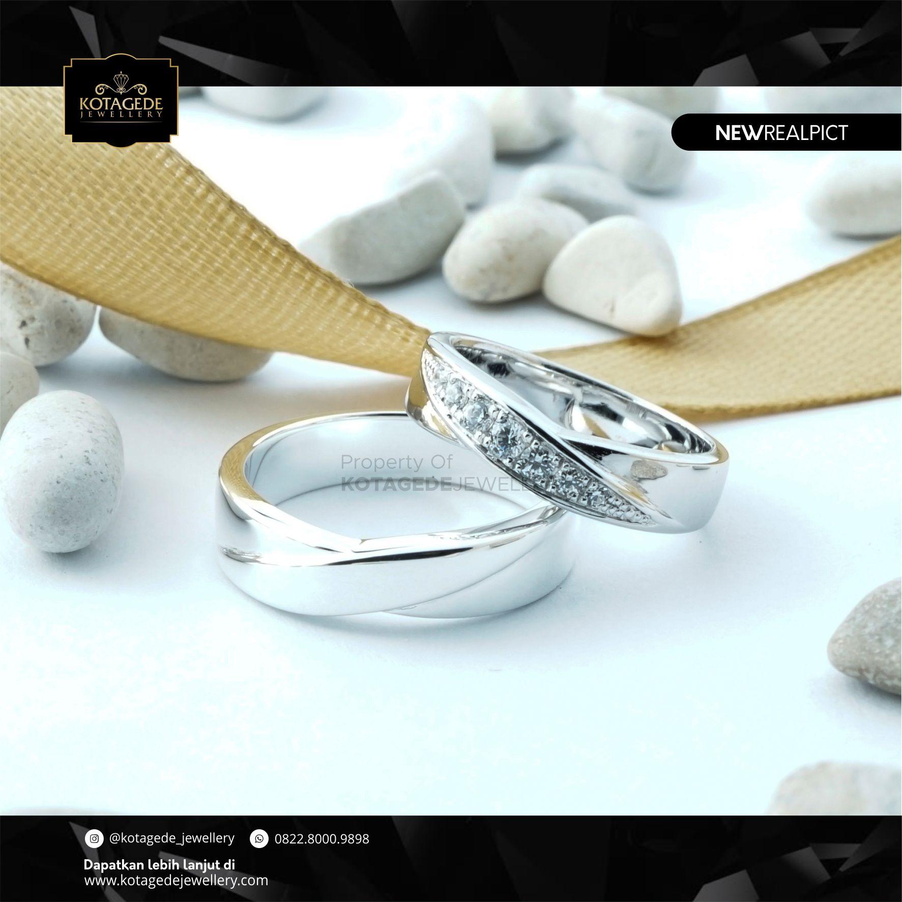 Cincin Kawin Tunangan Platinum Couple Elegant PT0113PT