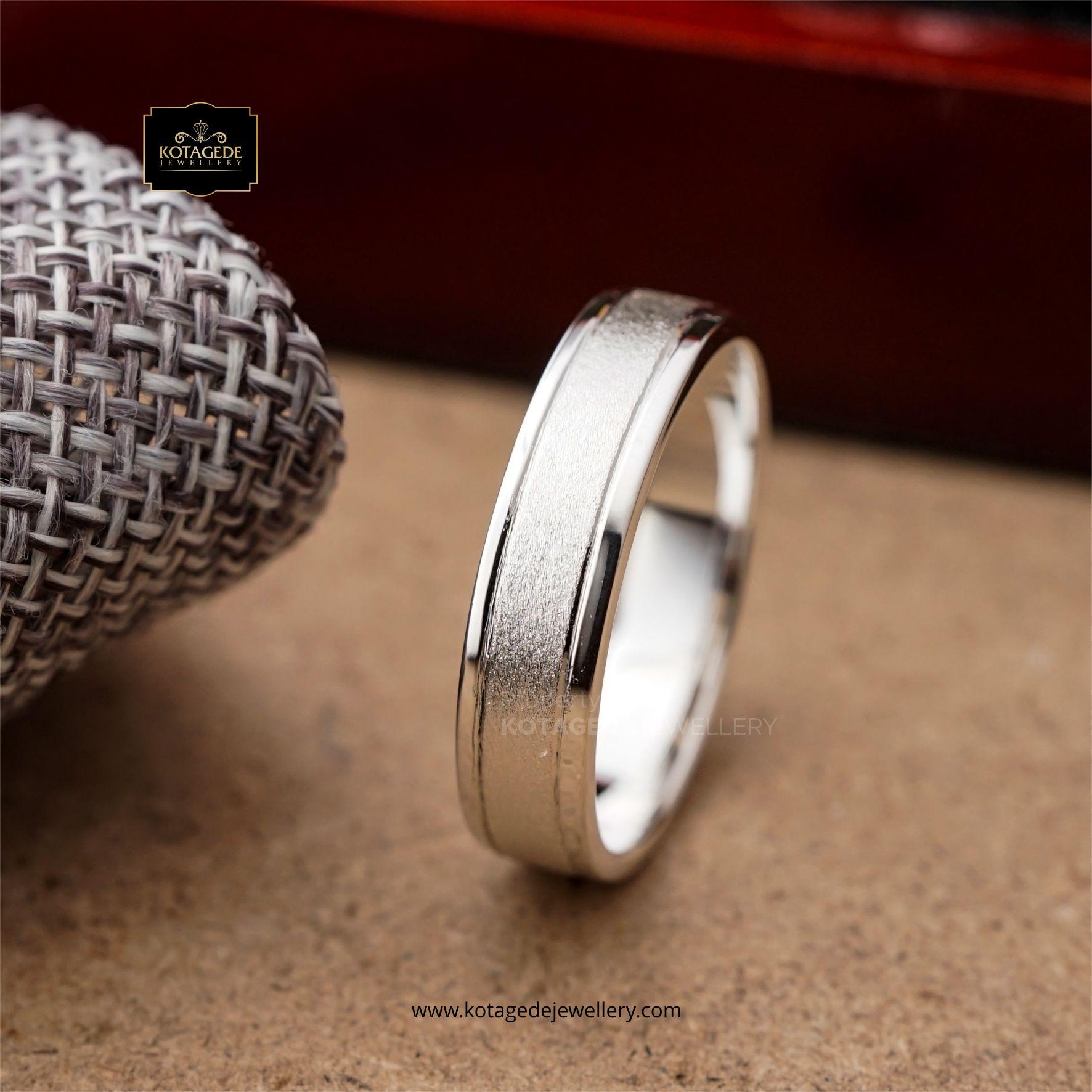 Cincin Kawin Tunangan Emas Putih Doff Elegant WG0119