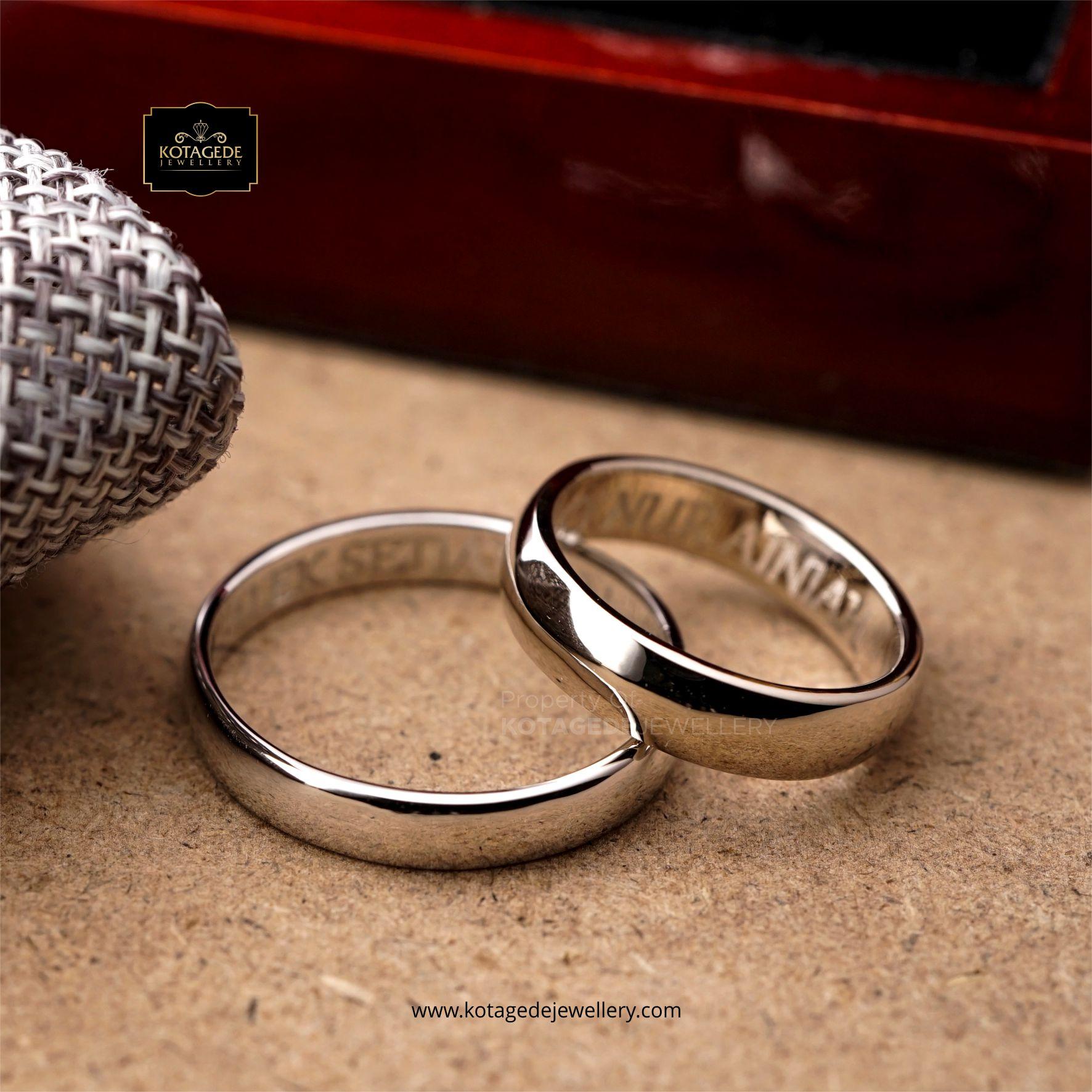 Cincin Kawin Tunangan Platinum Polos Elegant PT0122PT