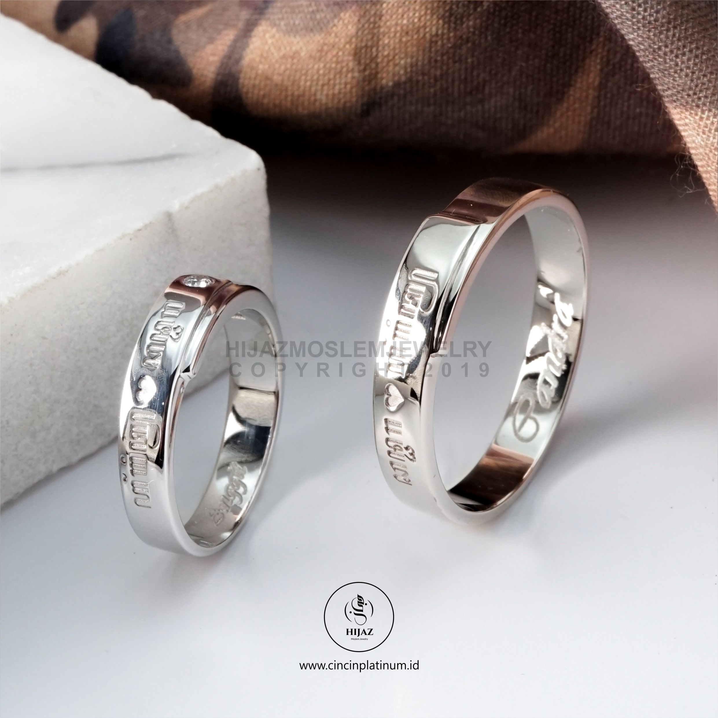 cincin dengan ukir laser aksara jawa