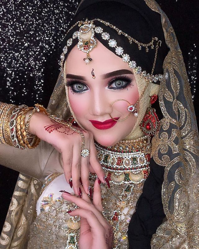 indoan look make up style